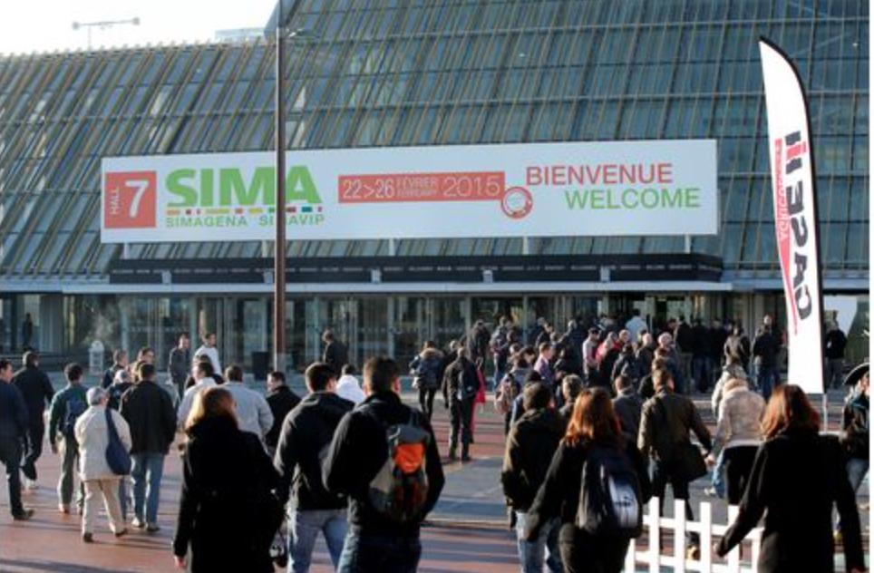 SIMA : Une manifestation prévue sur le stand d'un constructeur !
