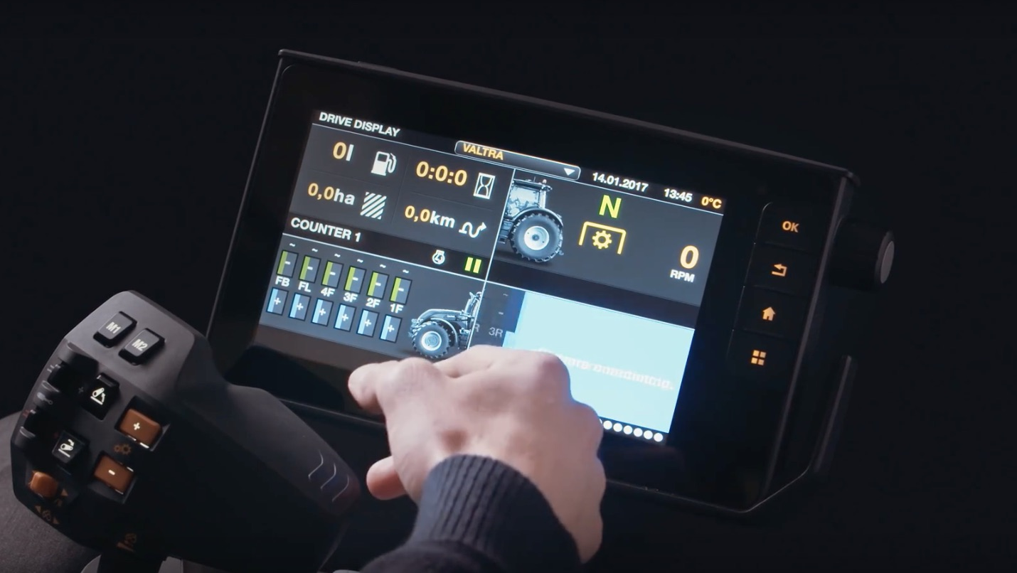 Valtra étend son accoudoir Smart Touch aux N4 et T4