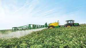 Zones de non traitement : Les agriculteurs obligés d'investir dans de nouveaux pulvérisateurs ?