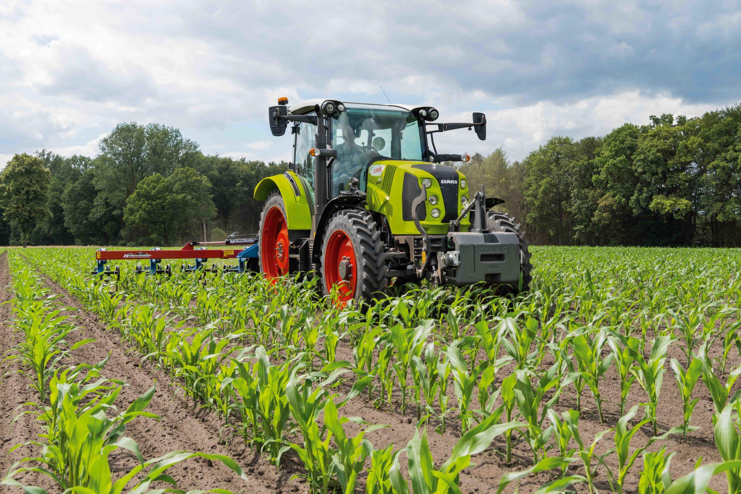 Claas met à jour son tracteur Arion 400